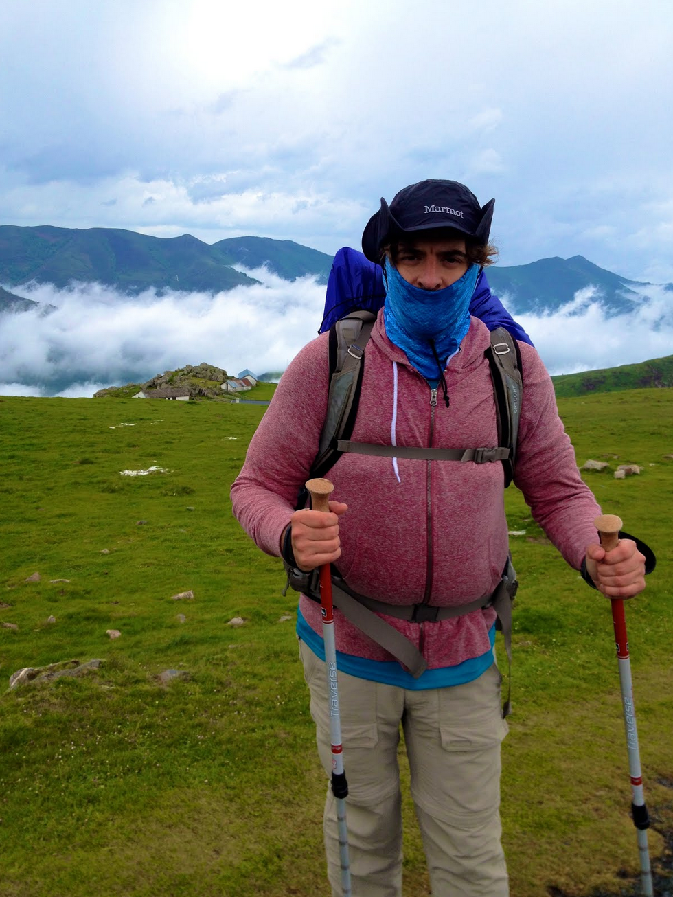 I don't always hike in alpine conditions. But when I do, I prefer Dos trekking poles.